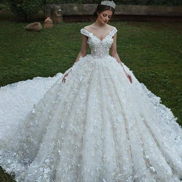 Affordable Wedding Dresses Beautiful F Shoulders V Neck 3d Floral Appliqued Lace Wedding Bridal Gowns Luxury Ball Gown Wedding Dresses 2019 Vintage Country Wedding Gown Bargain Wedding