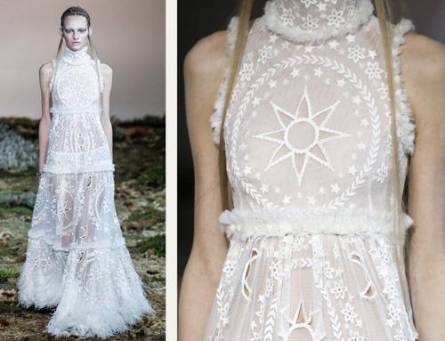 593bf55ce91e5 fairytale fabrics at alexander mcqueen