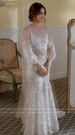 arias long sleeved wedding dress