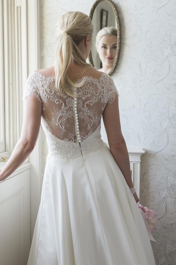 Augusta Jones Wedding Dresses Beautiful Augusta Jones Bronte Size 12