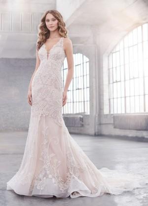 martin thornburg taylor v neckline wedding dress 01 698