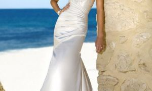 27 Inspirational Beach Wedding Dresses for Over 50