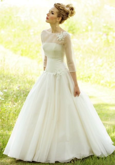 Best Undergarments for Wedding Dresses Beautiful Vintage Style Wedding Dress Wedding 3