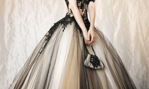 28 New Black and Gold Wedding Dresses