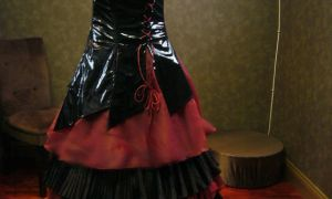 30 Lovely Black and Red Gothic Wedding Dresses
