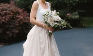 26 Lovely Casual Backyard Wedding Dresses