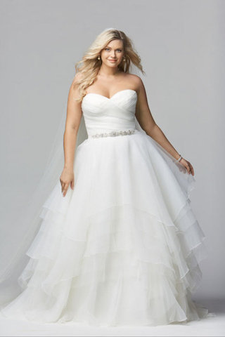 small Fustany Fashion Weddings How to Hide Belly Fat with Your Wedding Dress 4