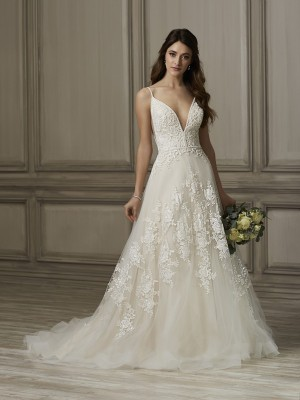 adrianna papell kinsley spaghetti strap wedding gown 01 466