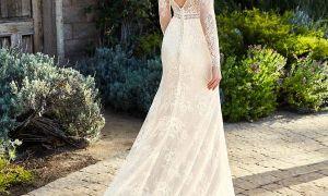 28 Unique December Wedding Dresses