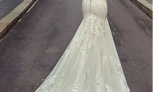 25 Lovely Discount Gowns