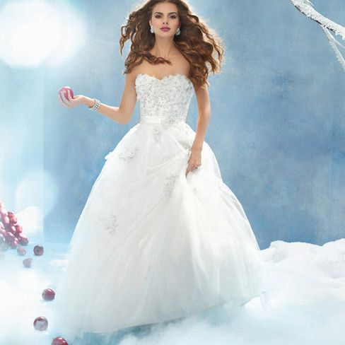 snow white wedding gown 56a4be223df78cf