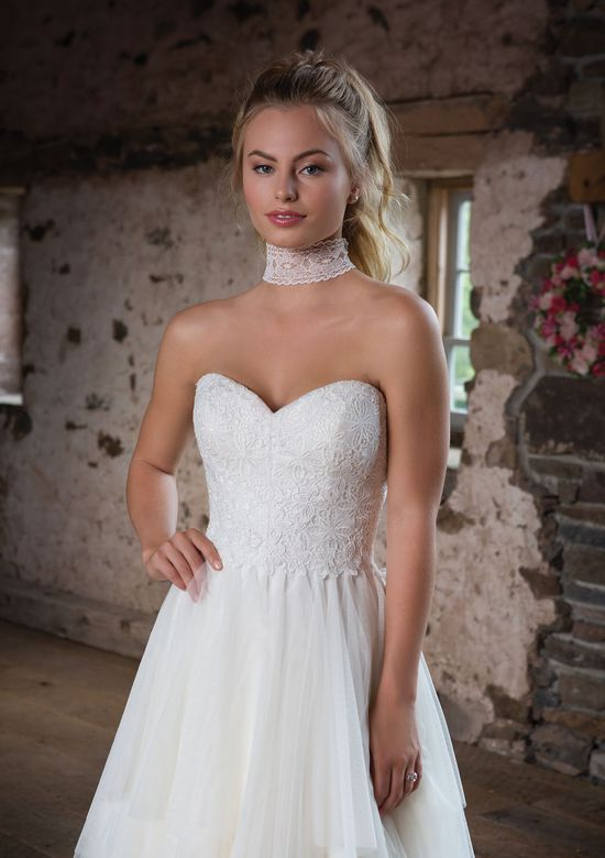 Dress Back Lovely Style 1101 Flowy English Net Gown with Lace Up Back