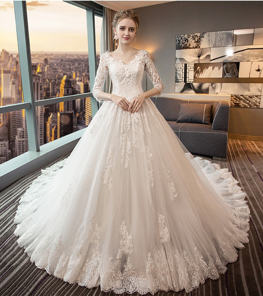Fall Lace Wedding Dresses Elegant Discount Backless Wedding Dresses V Collar Long Sleeves Cathedral Wedding Dresses Bees Lace Decal Autumn and Winter Wedding Dresses Dh111 Simple