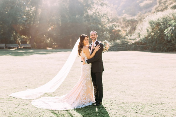 Fall Outdoor Wedding Dresses Beautiful Elegant Outdoor Fall Wedding at A Rustic Chic Venue In
