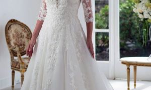 22 Beautiful Flattering Wedding Dresses for Plus Size