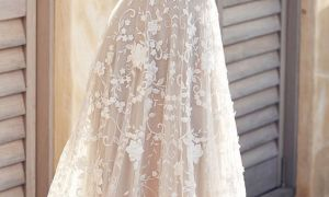 27 Lovely Handkerchief Wedding Dress
