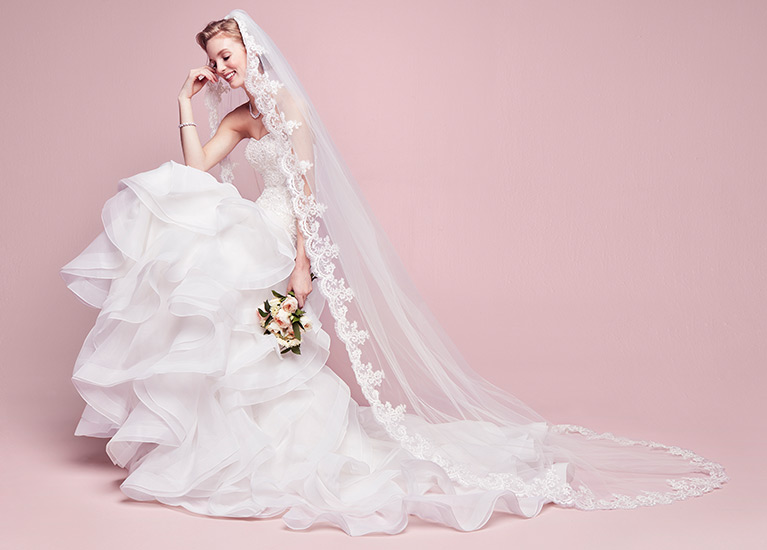 Ivory Color Wedding Dress Unique Bridal Veil Guide Styles Lengths Tips & Advice