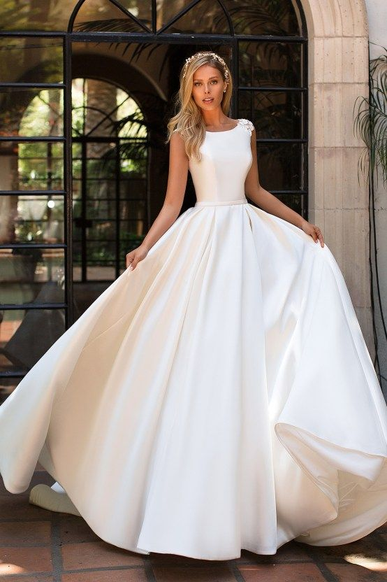 Jewel Neckline Wedding Dresses Fresh 7 Modern Wedding Dress Trends You Ll Love