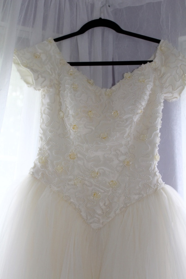 Kleinfelds New York Luxury Classic Wedding Gown Dress From Kleinfeld Bridal Size 2 4 Excellent