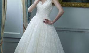 24 Unique Knee Length Lace Wedding Dresses