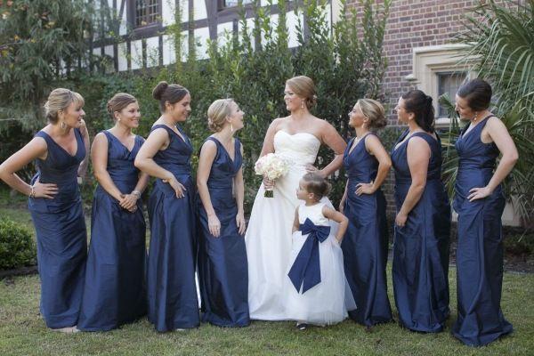 Marine Bridesmaid Dress Inspirational Braut Und Brautjungfern In Weiß Und Marine Blau