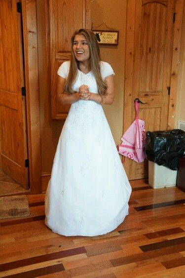 Mikeala Wedding Dresses Fresh Michaela Bates Trying On Her Wedding Dress Again Showing