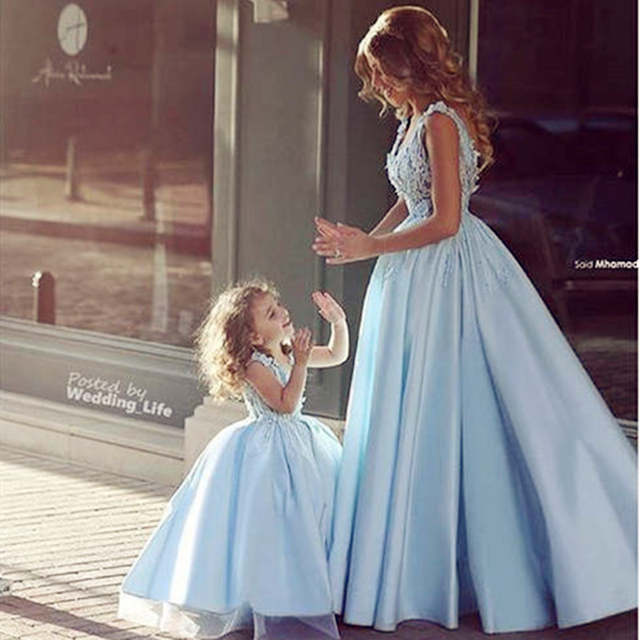 2017 Newest Design Family Matching Wedding Dress for Mother Daughter Dresses Clothes Mum Mom and Daughter 640x640q70