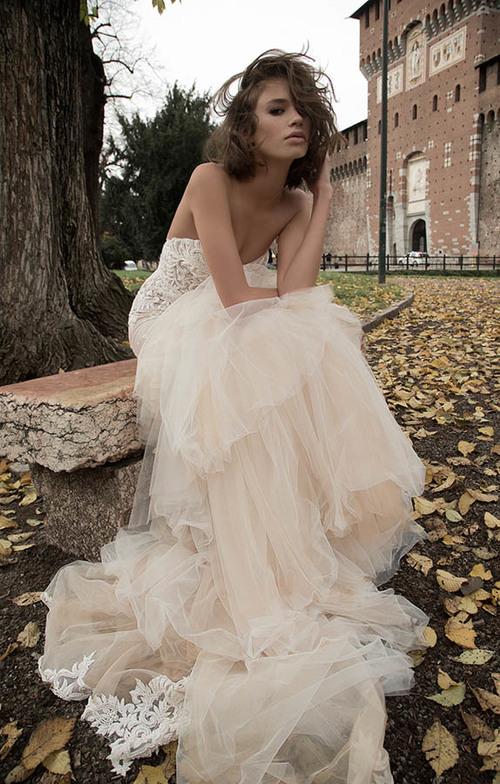 crop top wedding dress design around non traditional wedding dress