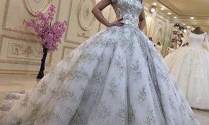 29 Beautiful Plus Size Bling Wedding Dresses