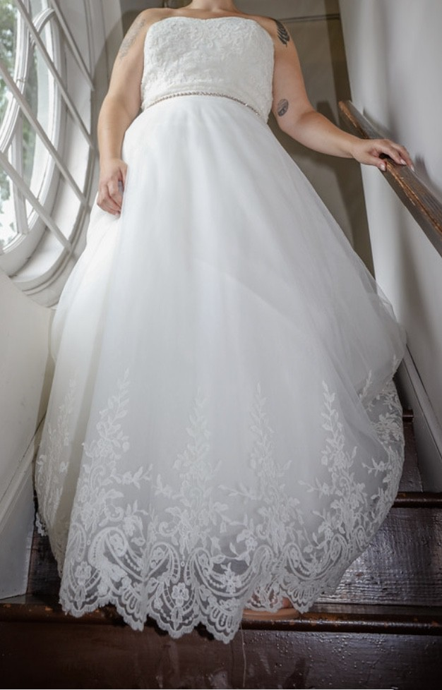 Preowned Wedding Dresses Reviews New Watters Strapless A Line Gown with Lace Details Wedding Dress Sale F