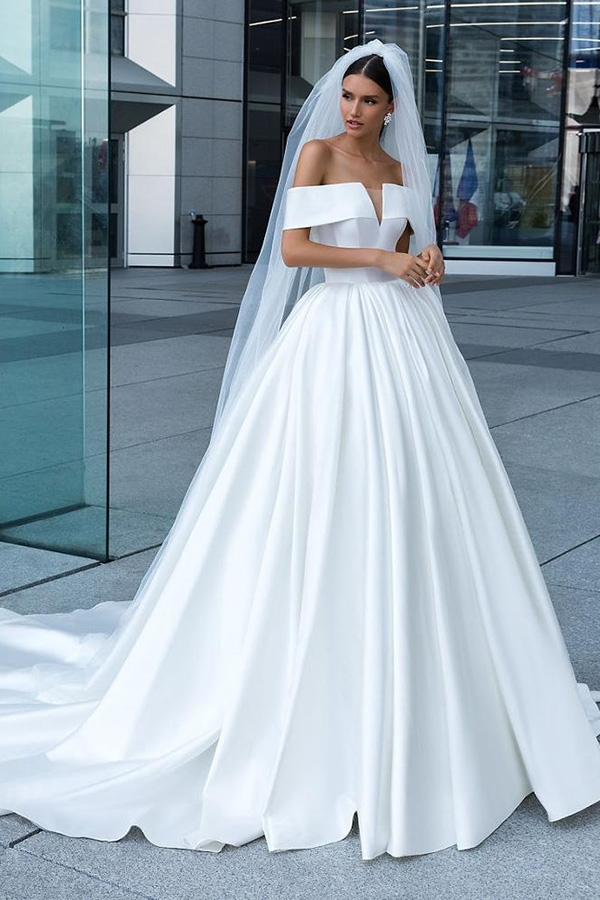 Elegant Deep V Neck Simple Real Image Long Train Wedding Dresses Ruffled Satin Bridal Gowns 2019