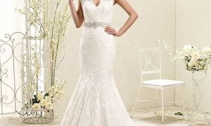 28 Elegant Scalloped Lace Wedding Dresses