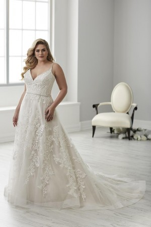 christina wu love v neckline wedding gown 01 466