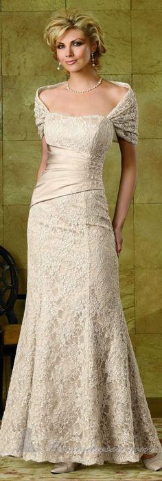 6b4a4b0db8e43ae4a4f03b7387dcabc1 older bride gorgeous wedding dress