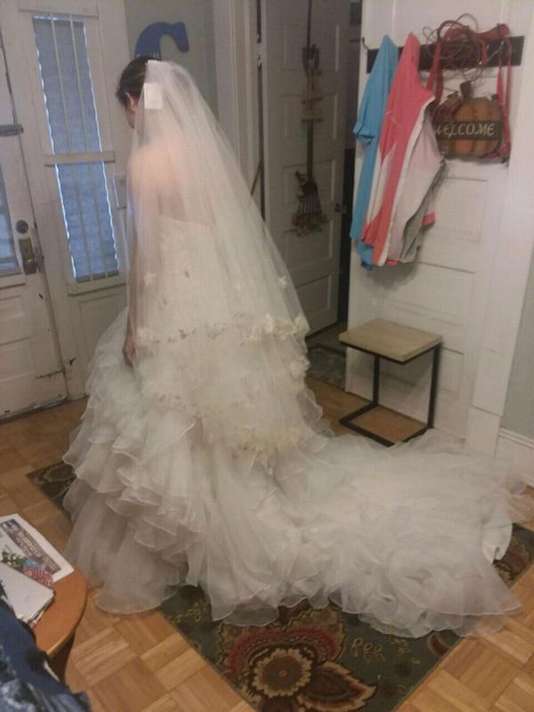 Slips for Wedding Dresses Inspirational Oleg Cassini Wedding Dress & 4 Bridesmaid Dresses