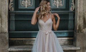 24 Inspirational Small Wedding Dresses