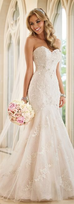 0d29dcd5d77e4349c b414ac4 stella york mermaid wedding dresses