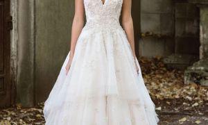 30 Unique Tiered Lace Wedding Dresses