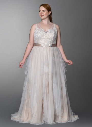 Traditional Wedding Gowns Luxury Chapel Train Wedding Dress