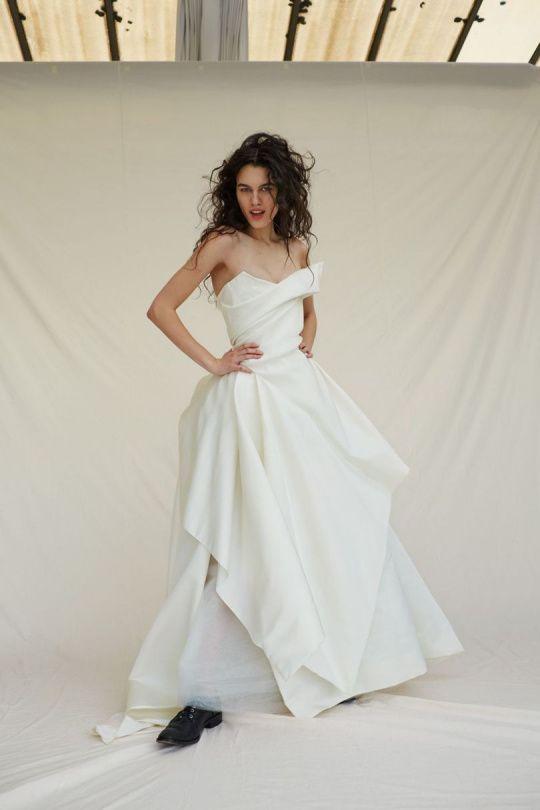 Vivenne Westwood Wedding Dresses Best Of 12 ºchvatn½ch Svatebnch Å¡atů Od Vivienne Westwood
