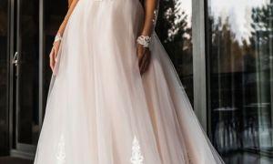 22 Lovely Wedding Dress Embellishment
