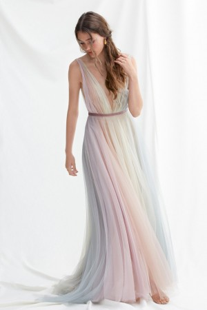 willowby hutton plunging v neck bridal dress 01 616