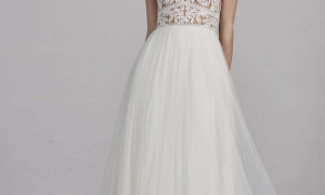 30 Luxury Wedding Dress Style for Short Brides
