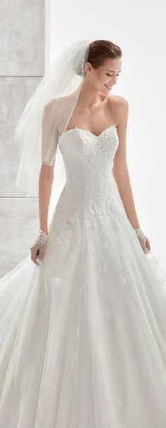 0dd2bde7f80c4b1c97e28b a7ac0 chantilly lace a line dresses
