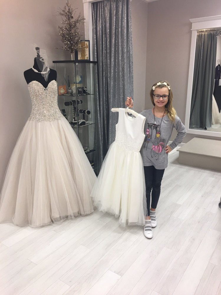 wedding dresses buffalo ny alex fashion and bridal 50 s sewing and alterations 3300 particular