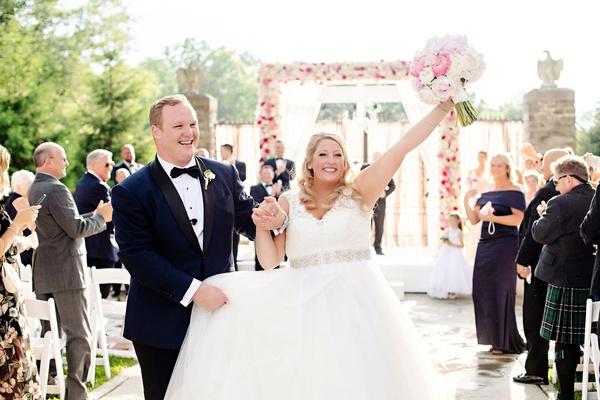 Wedding Dresses Cincinnati Ohio Beautiful Outdoor Wedding Glamorous Tented Reception with Pastel