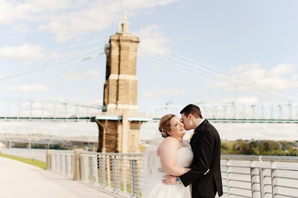 Wedding Dresses Cincinnati Ohio Elegant Glitzy & Glamorous Wedding with Black & Gold Palette