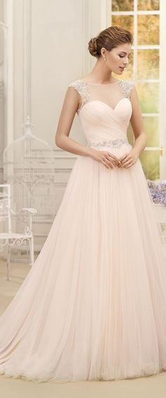 0ddb a4ac61f4a ae9eb romantic wedding dresses romantic weddings