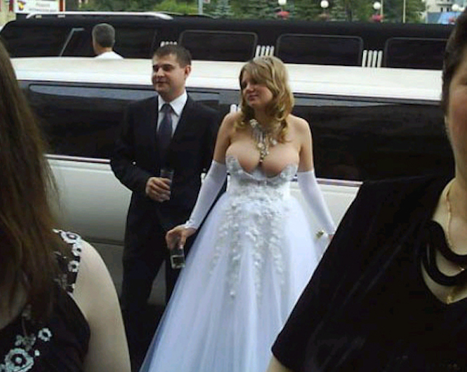 1 ugly wedding dresses