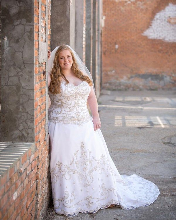 Wedding Dresses for Curvy Brides Awesome 21 Curvy Brides who Nailed their Wedding Dress